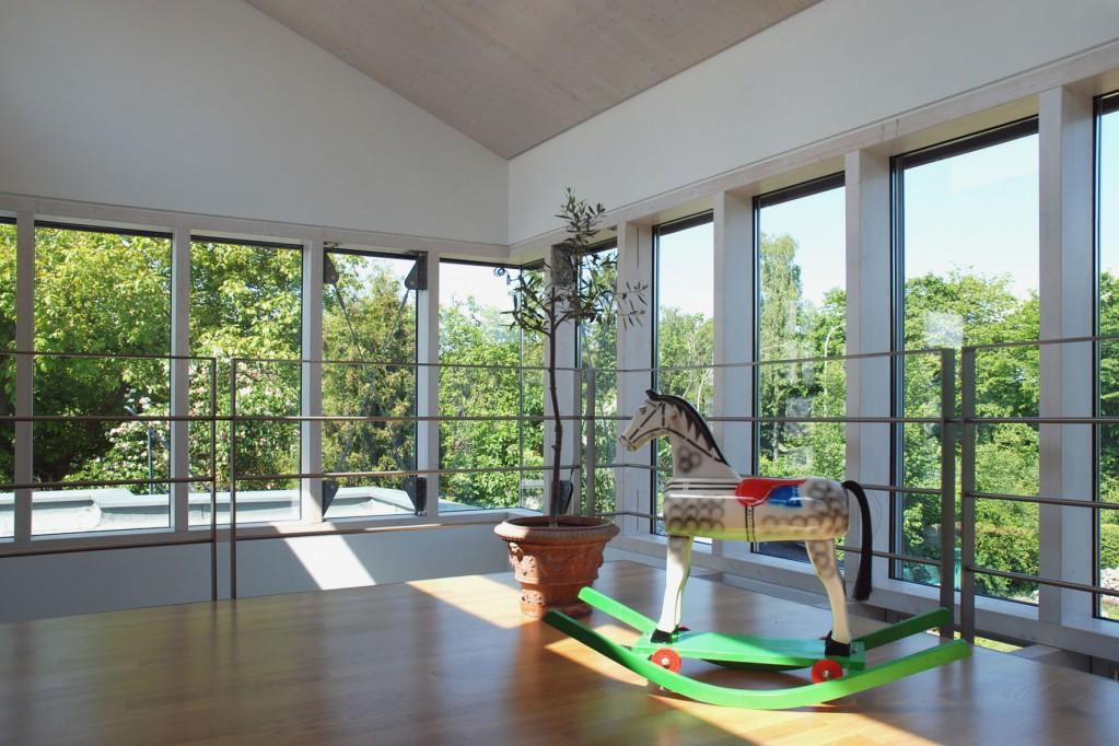 Große barrierefreie Flächen erleichtern das Wohnen zu Hause bis ins hohe Alter.  Foto: djd/Fördergesellschaft Holzbau und Ausbau